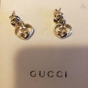 1d9f9bd373f https   www.kronoshop.com en gucci-earrings-love-b